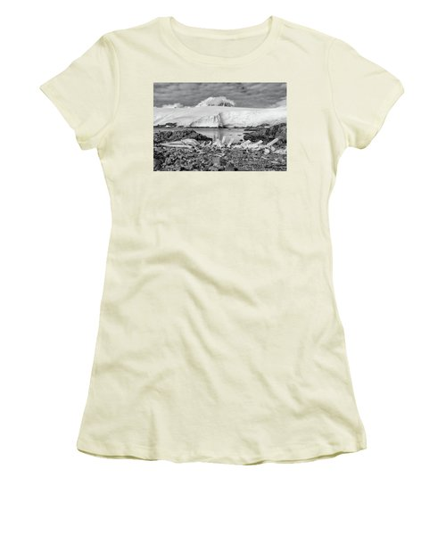 Women's T-Shirt (Junior Cut) featuring the photograph Remains Of A Giant by Alan Toepfer