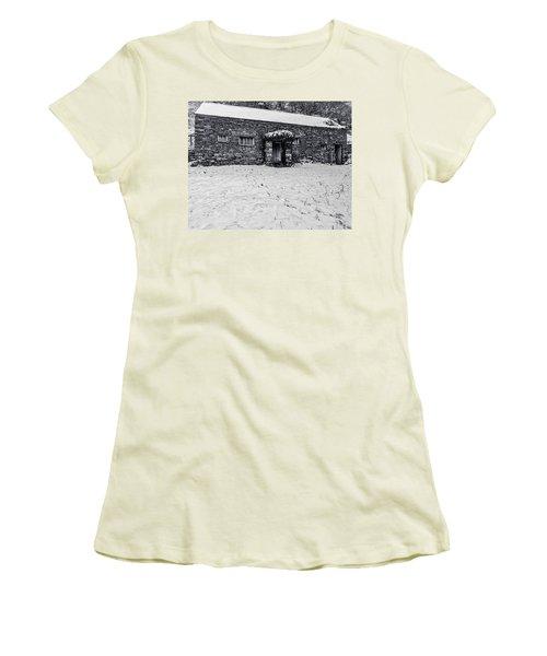 Shepherds Cottage Women's T-Shirt (Athletic Fit)