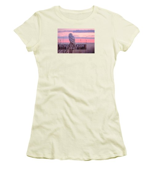 Snowy In The Meadow Women's T-Shirt (Athletic Fit)