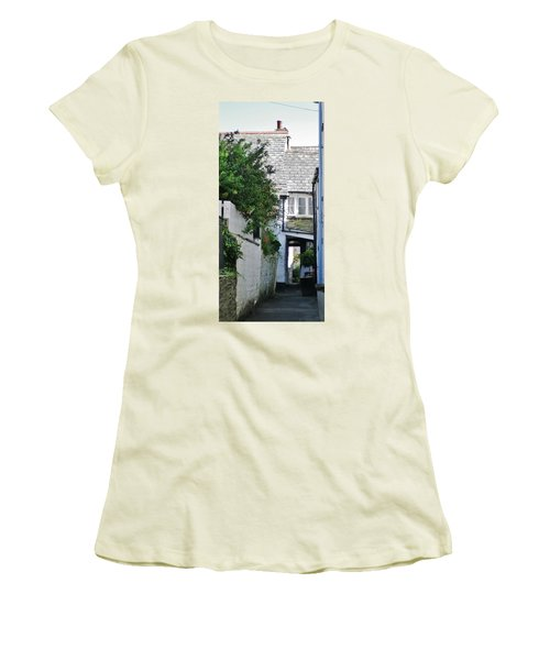 Squeeze-ee-belly Alley Women's T-Shirt (Junior Cut) by Richard Brookes