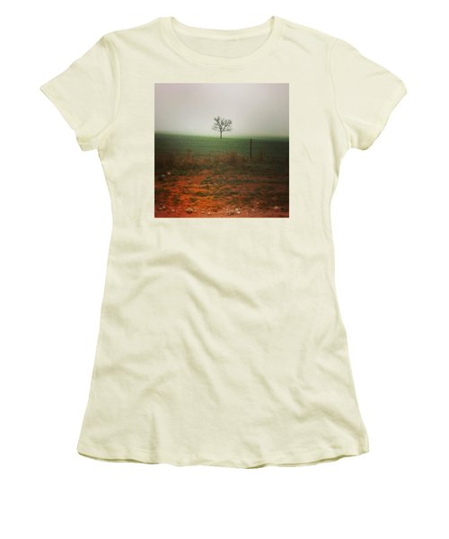 Standing Alone, A Lone Tree In The Fog. Women's T-Shirt (Athletic Fit)