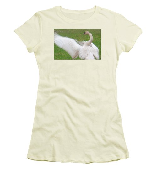 Swan Posing Women's T-Shirt (Athletic Fit)