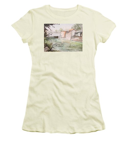Through The Canal  Women's T-Shirt (Athletic Fit)
