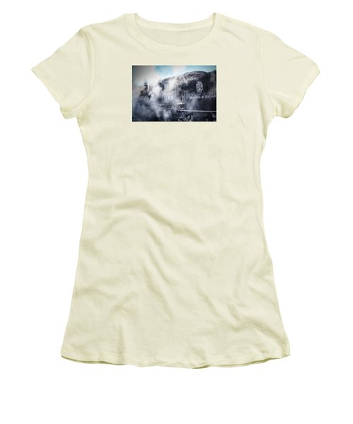 Train Engine 463 Women's T-Shirt (Athletic Fit)