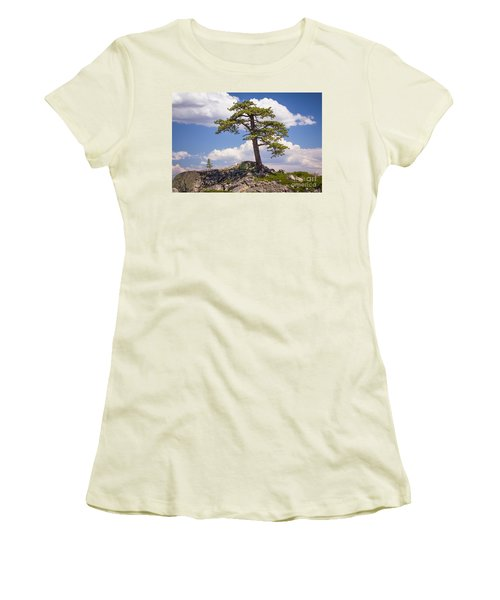 Truckee  Women's T-Shirt (Athletic Fit)