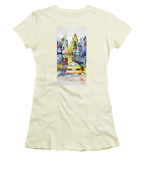 View To Manhattan Women's T-Shirt (Athletic Fit)