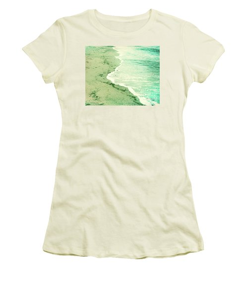 Vintage Waves In Yellow And Blue Women's T-Shirt (Athletic Fit)