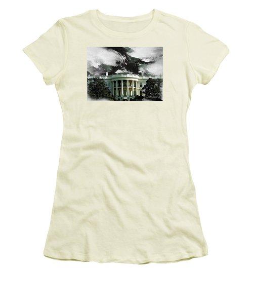 Washington Dc, White House Women's T-Shirt (Junior Cut) by Gull G