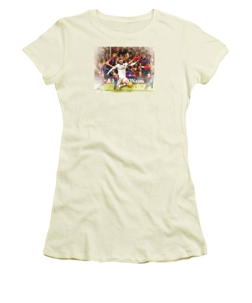 Wayne Rooney Shoots At Goal Women's T-Shirt (Junior Cut) by Don Kuing