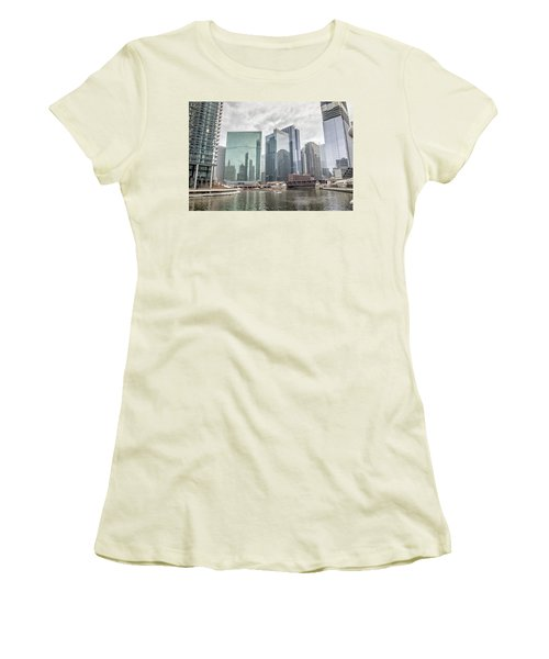 Women's T-Shirt (Junior Cut) featuring the photograph Wolf Point Where The Chicago River Splits by Peter Ciro