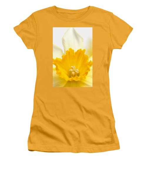 Abstract Daffodil Women's T-Shirt (Athletic Fit)