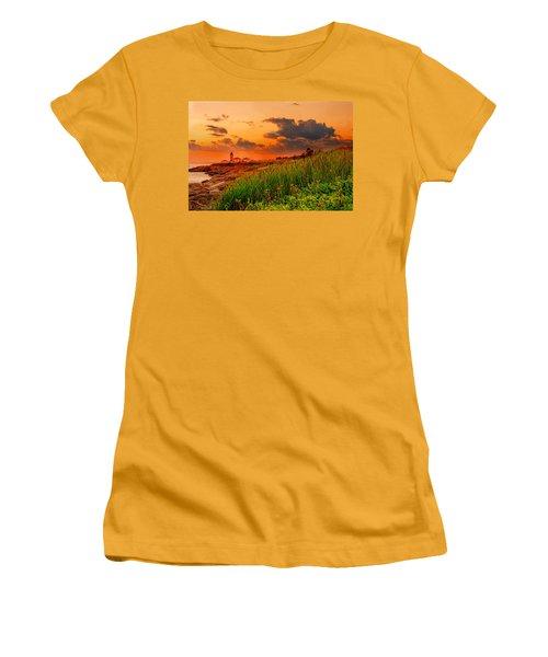 Beavertail Spectacular- Beavertail State Park Rhode Island Women's T-Shirt (Athletic Fit)