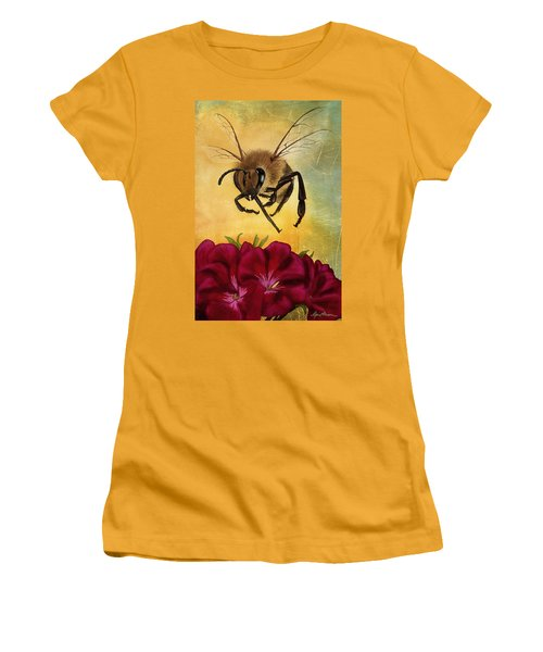 Bee I Women's T-Shirt (Athletic Fit)