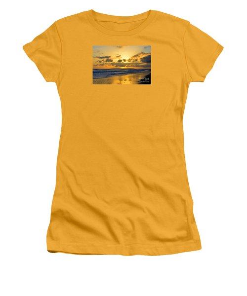Kauai Sunset With Niihau On The Horizon Women's T-Shirt (Junior Cut)