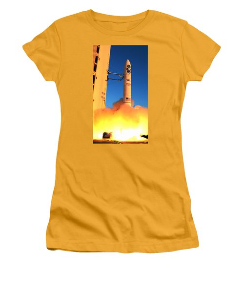 Minotaur Iv Rocket Launches Falconsat-5 Women's T-Shirt (Athletic Fit)