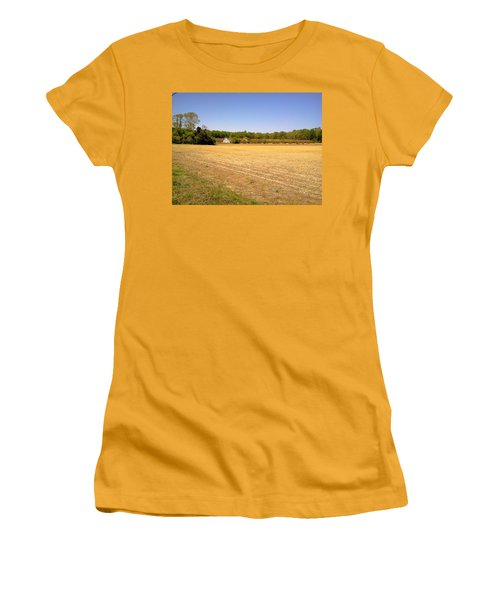 Old Chicken House On A Farm Field Women's T-Shirt (Athletic Fit)