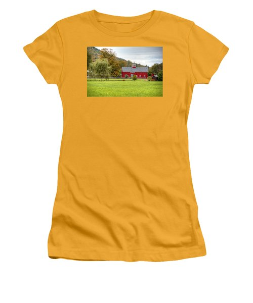 Prettiest Barn In Vermont Women's T-Shirt (Athletic Fit)