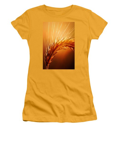Wheat Close-up Women's T-Shirt (Junior Cut) by Johan Swanepoel