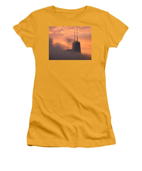 Chicago Dusk Women's T-Shirt (Athletic Fit)