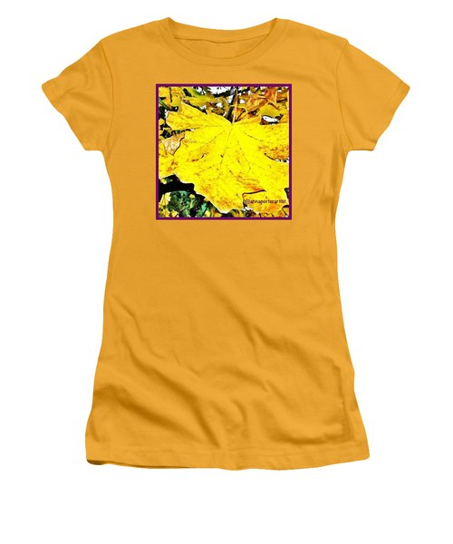 Giant Maple Leaf Women's T-Shirt (Athletic Fit)