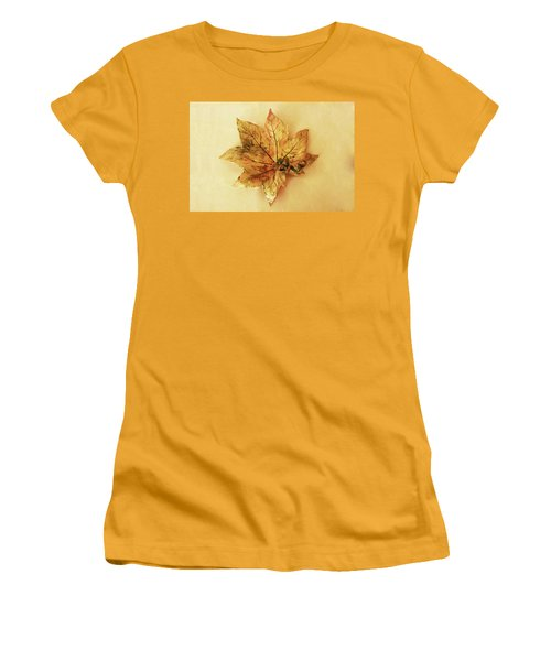 Leaf Plate1 Women's T-Shirt (Athletic Fit)