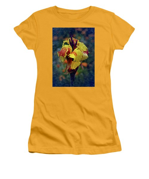 Vintage Canna Lily Women's T-Shirt (Athletic Fit)