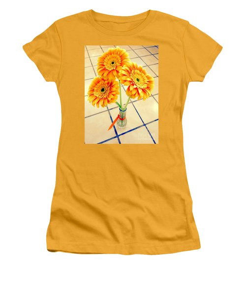 3 Golden Yellow Daisies Gift To My Beautiful Wife Suffering With No Hair Suffering Frombreast Cancer Women's T-Shirt (Junior Cut) by Richard W Linford
