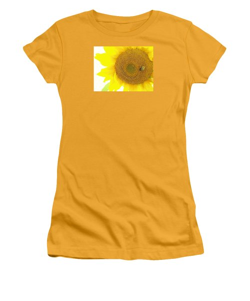Bumble Bee Sunflower Women's T-Shirt (Athletic Fit)