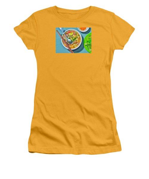 Bun Moc Women's T-Shirt (Athletic Fit)
