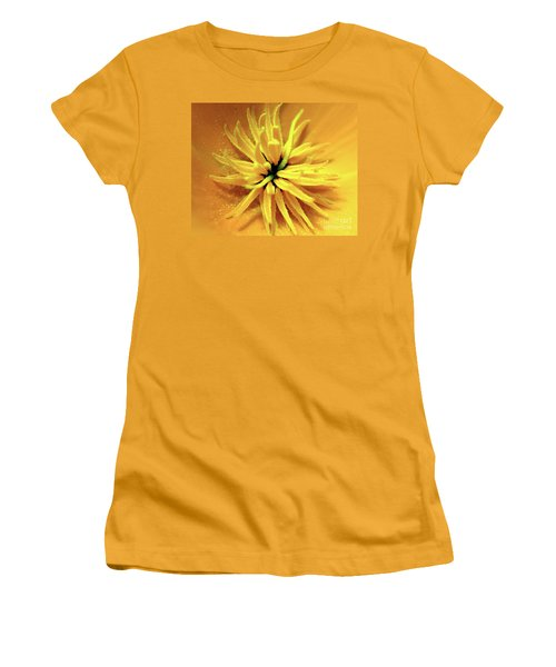 Californian Poppy Macro Women's T-Shirt (Athletic Fit)