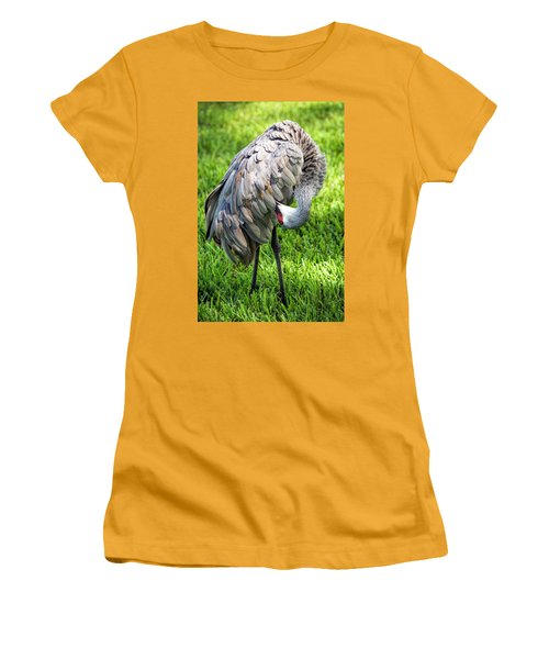 Crane Down Under Women's T-Shirt (Athletic Fit)