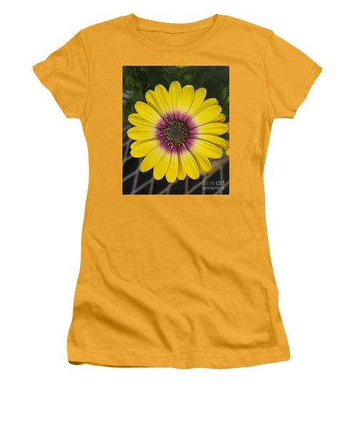 Fascinating Yellow Flower Women's T-Shirt (Junior Cut)