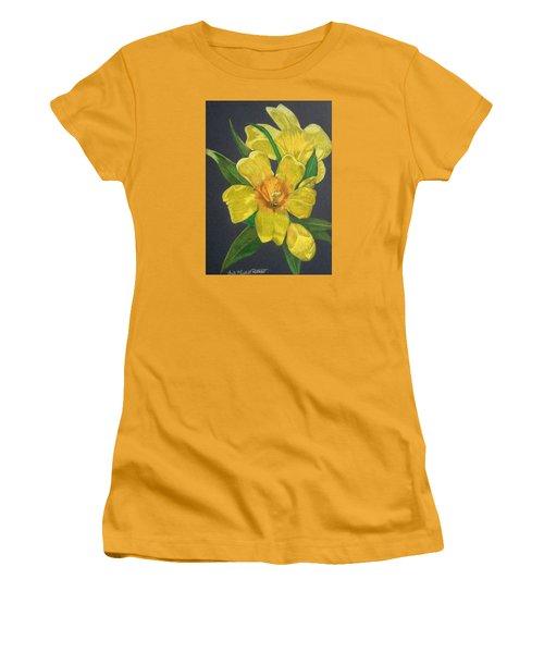 Golden Trumpet Flower - Allamanda Vine Women's T-Shirt (Junior Cut) by Anita Putman
