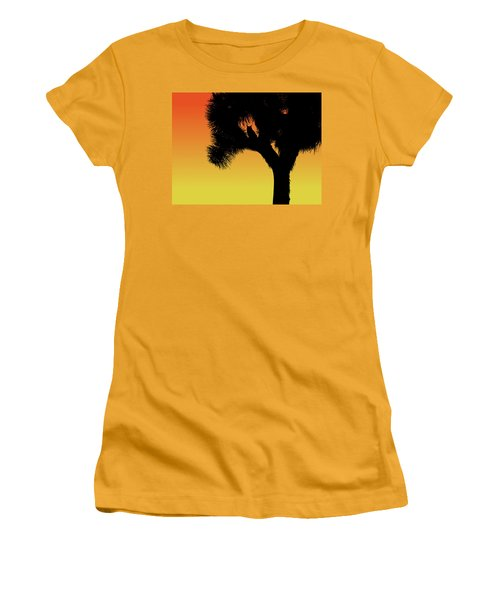 Great Horned Owl In A Joshua Tree Silhouette At Sunset Women's T-Shirt (Athletic Fit)
