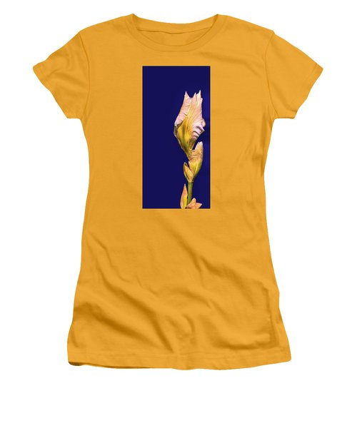 Iris Beginning To Bloom #g0 Women's T-Shirt (Athletic Fit)