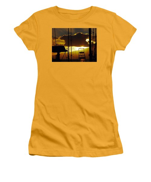 Lahaina Sunsets 5 Women's T-Shirt (Athletic Fit)