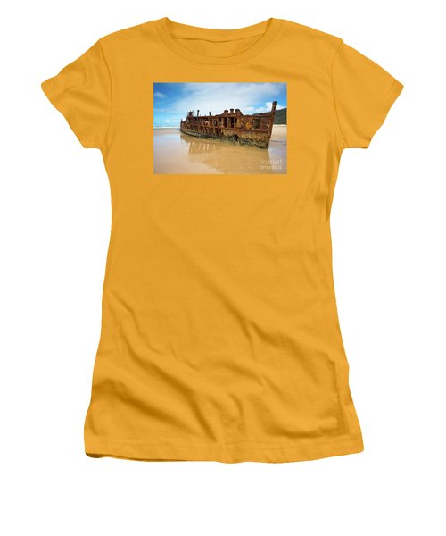 Maheno Shipwreck Women's T-Shirt (Athletic Fit)