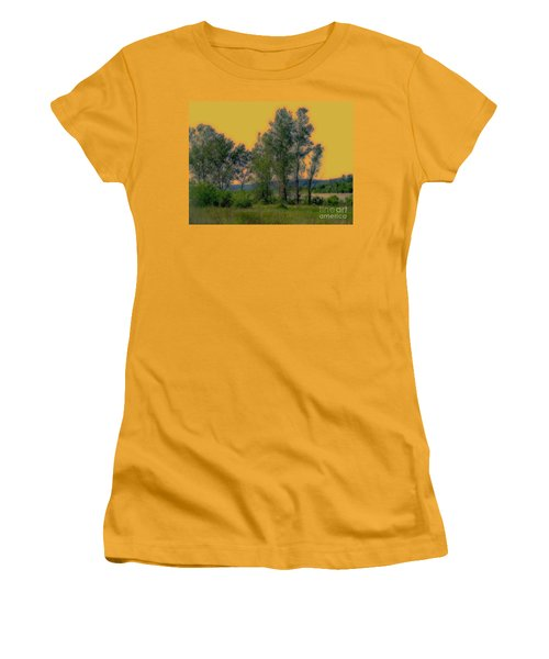 Mississippi Estuary Women's T-Shirt (Athletic Fit)