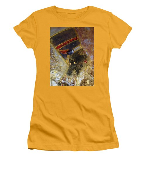 Nefertiti Women's T-Shirt (Athletic Fit)