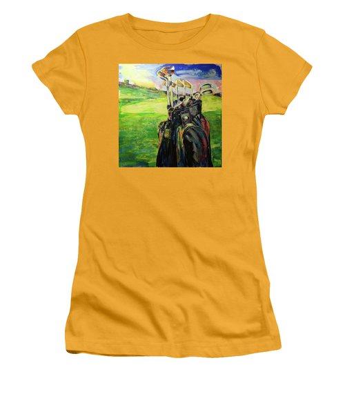 Schwarze Golftasche  Black Golf Bag Women's T-Shirt (Athletic Fit)