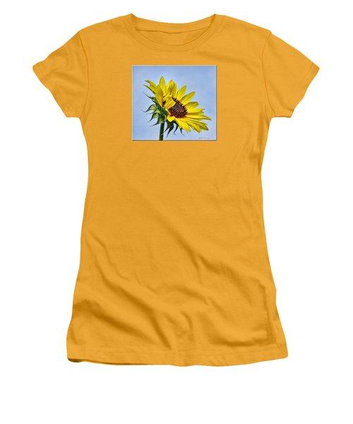 Single Sunflower Women's T-Shirt (Junior Cut) by Mikki Cucuzzo