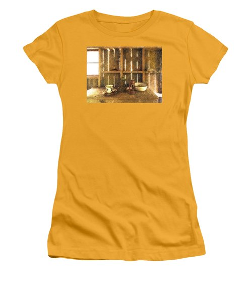 The Abandoned Cabin Women's T-Shirt (Athletic Fit)