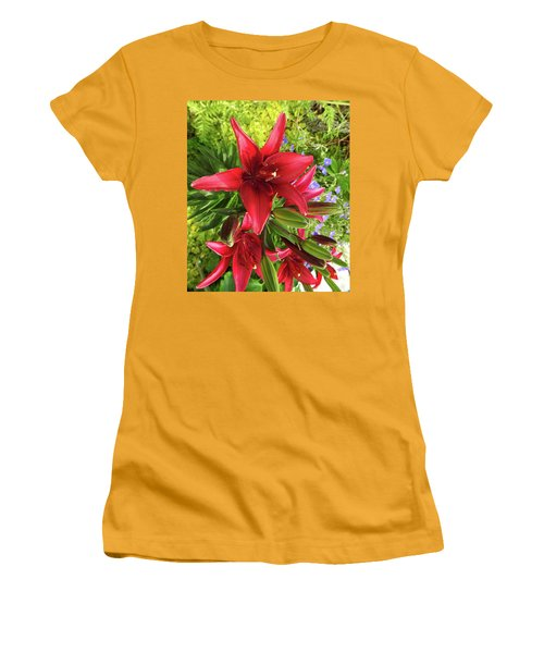 Tiny Ghost Asiatic Lilly Women's T-Shirt (Athletic Fit)