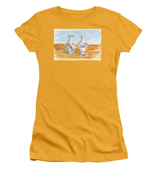 Two-view Vase Women's T-Shirt (Junior Cut)