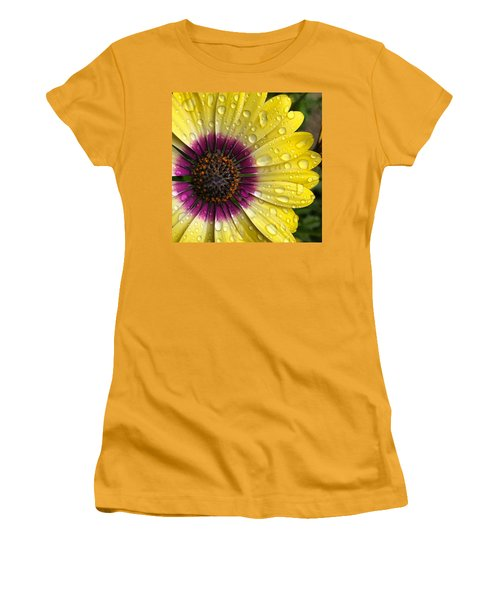 Daisy Up Close  Women's T-Shirt (Athletic Fit)