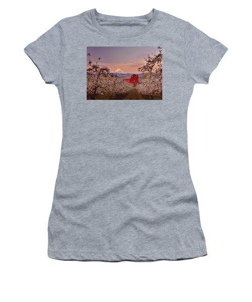 Hood River Sunrise Women's T-Shirt