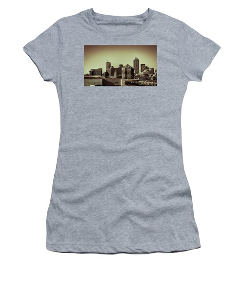 Indianapolis Skyline - Black And White Women's T-Shirt