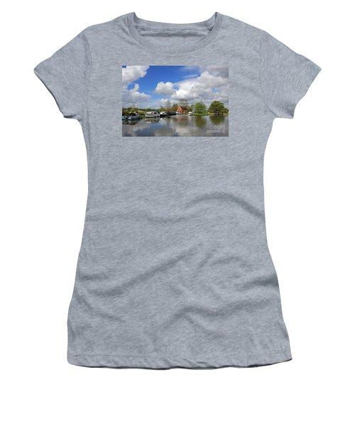 Wey Canal Surrey England Uk Women's T-Shirt