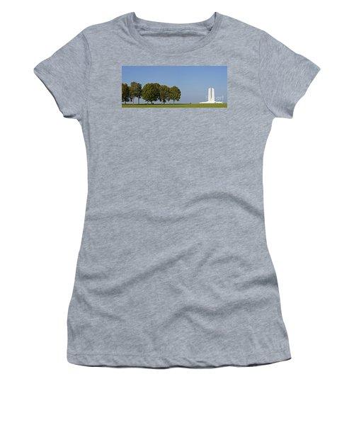 130918p135 Women's T-Shirt