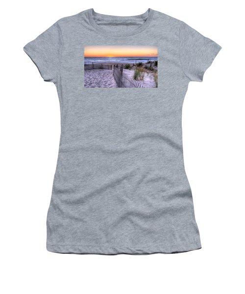 Dewey Beach Sunrise Women's T-Shirt